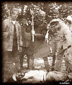 Türkleri balta ile dograyan Yunan askeri Unutmayın