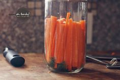 How to make Dilly Carrots - Oh Lardy! :: Want some simple tips to help you learn how to #ferment foods at home? Join our email series that will teach you everything you need to know: https://il313.infusionsoft.com/app/form/8c0057a0e3f4312eca3433b52efd0d2b