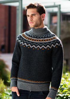 Genser med splitt i hals – Dale Garn Sweater Knitting Patterns, Knitting Designs, Norwegian Knitting, Country Attire, Fair Isle Knitting, Free Knitting, Knitwear, Men Sweater, Mens Fashion