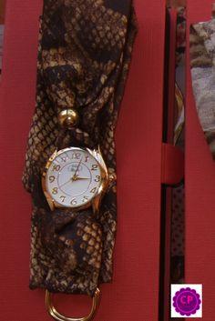 Relojes con pañuelo!!! Los puedes encontrar en www.capricciplata.com www.facebook.com/capricci.plata1 Wood Watch, Facebook, Accessories, Fashion, I Found You, Clocks, Moda, La Mode, Wooden Clock