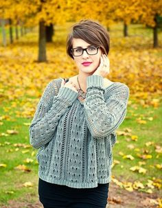 41 Cheeky short hairstyles for eyewear wearers  #cheeky #eyewear #hairstyles #short #wearers Short Hair Glasses, Hairstyles With Glasses, Cool Haircuts, Cool Hairstyles, 2015 Hairstyles, Pixie Hairstyles, Feminine Short Hair, Medium Hair Styles, Curly Hair Styles