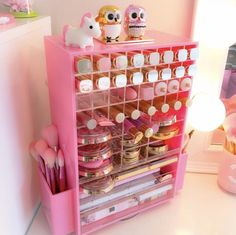 16 Genius Organization Ideas to Make the Most out of Your Space - The Trending House Pink Makeup Storage, Makeup Box, Makeup Case, Makeup Organization, Eyeliner Makeup, Makeup Tips, Vanity Makeup Rooms, Nail Polish Storage, Ikea Alex