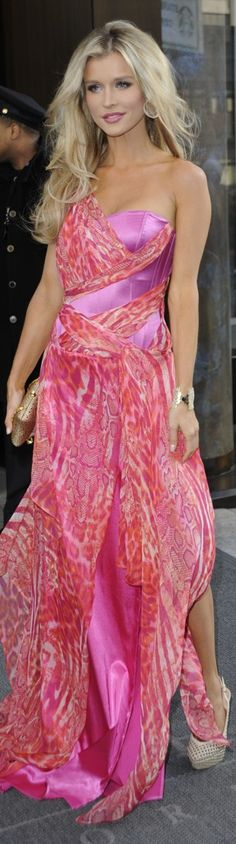 Pink Gown/Dress worn by Joanna Krupa