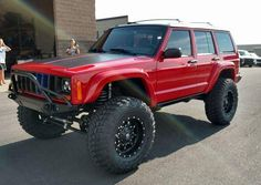 """Introducing Crusher a beautiful XJ built by our friend Russ from """"I would like to introduce you to Crusher. Crusher got its name because this Jeep pinned me between a garage door and broke 11 of my ribs and punctured two lungs. Jeep Xj Mods, Jeep Wj, Jeep Truck, Jeep Wrangler, Cherokee Sport, Jeep Grand Cherokee, Lifted Jeep Cherokee, Jeep Sport, Red Jeep"""