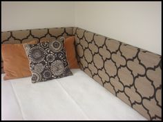 corner headboard.  like this idea.  blogger has a potty mouth.  just saying...