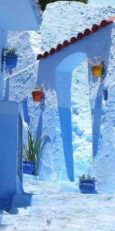 地中海に面した標高650mの山合いにある青い街シャウエン。Chaouen, Morocco