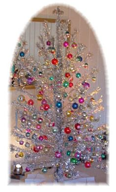 History and images of the Aluminum Christmas tree....remember the color wheel???