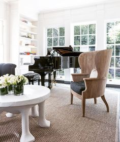 Summertime rug and chair set-up by @susanmarinellointeriors. @johngranen captured this scene. Dining Chairs, Dining Table, Barrel Chair, Living Room Inspiration, Beige Area Rugs, Rugs In Living Room, Family Room, Indoor, Interior Design