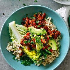 Mexican-style beef & bean bowl Wine News, Mexican Style, Wine Recipes, Gluten Free Recipes, Cobb Salad, Beans, Yummy Food, Yum Yum, Magazine