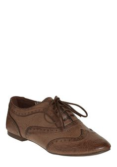#12 The perfect ModCloth shoe for you - Everyone loves Oxfords!!! They are comfy and I wouldnt be dying in heels the whole time. #modcloth #wedding