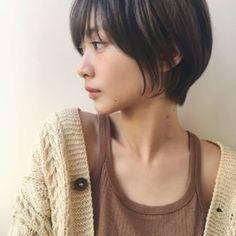 カジュアルでも女性らしい ひし形ショートボブ|原宿の美容室 ガーデンハラジュク(GARDEN harajuku)スタイリスト 高橋 苗(タカハシ ナエ)のヘアスタイル・髪型・ヘアカタログ|LALA[ララ] Cute Hairstyles For Short Hair, Girl Short Hair, Short Hair Cuts, Curly Hair Styles, Korean Short Hair, Korean Haircut, Hair Arrange, Hair Setting, Asian Hair