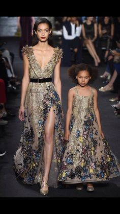 Mother-daughter looks. #Fashion