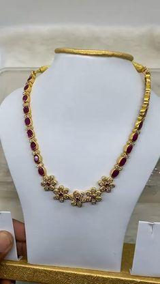 Jewelry Design Earrings, Gold Earrings Designs, Necklace Designs, Dangle Earrings, Gold Bangles Design, Gold Jewellery Design, Silver Bridal Jewellery, Silver Jewelry, Perfume