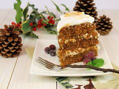Gingerbread Layer Cake with Bourbon Pecans & Caramel Sauce (paleo) ~ Moist and flavorful, everything you would expect in traditional gingerbread cake! Paleo Sweets, Paleo Dessert, Dessert Recipes, Cake Recipes, Christmas Desserts, Christmas Baking, Christmas Holiday, Just Desserts, Delicious Desserts