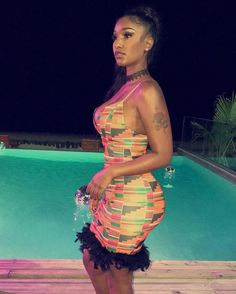 Model @realberniceburgos wearing our Queen IMO Kente dress. Shop: www.yerecollection.com by @chinyerechristy She is wearing a size XS. This dress stretches and is body con fit. #yerecollection #yere #chinyerechristy