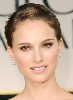 Natalie Portman's Charity Dior Lipstick Natalie Portman, Bridal Makeup Looks, Wedding Hair And Makeup, Hair Makeup, Pretty Makeup, Bridal Beauty, Dior Lipstick, Brunette Makeup, Make Up Braut