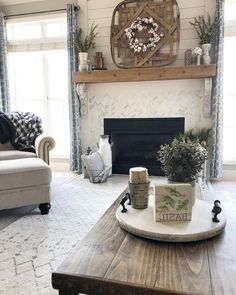 118 BEST MODERN FARMHOUSE LIVING ROOM DECOR IDEAS #livingroomideas #livingroomfurniture #livingroomdecorations