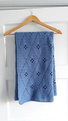 Made this blanket with Scheepjes Colour Crafter Dokkum. It's a combination of two patterns: the call the midwife blanket and the 'filet gehaakte tas' of Wolplein. Both are free and can be found on the internet with diagram. So even if you don't read Dutch you can be able to make this lovely blanket.