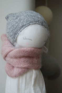 Resultado de imagem para kaszka z mlekiem muc muc doll Fabric Toys, Paper Toys, Sock Toys, Pretty Dolls, Waldorf Dolls, Sewing Toys, Soft Dolls, Diy Doll, Handmade Toys