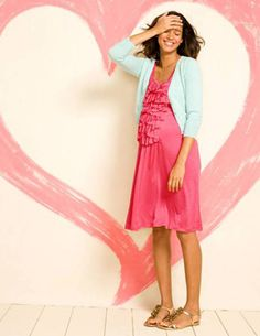 """This is so """"Me""""- Pregnant and ruffles, bright colors and shiny shoes. Summer style inspiration"""
