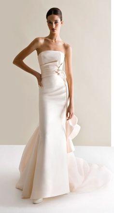 Antonio-Riva-Wedding-Dresses-Gowns-Fashion-Show-Bridal-Collection . Elegant Wedding Dress, Wedding Gowns, Elegant Dresses, Wedding Mandap, Prom Gowns, Wedding Receptions, Dress Prom, Dress Long, Wedding Ceremony