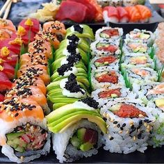 food recipes restaurants Make Sushi 1 Sushi Roll Recipes, Sushi Love, How To Make Sushi, Tasty, Yummy Food, Food Goals, Food Website, Aesthetic Food, Food Cravings
