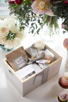 4 Reasons to Splurge on Client Gifts at the Holidays - Gifts for Mom Wedding Gift Baskets, Wedding Gifts, Holiday Gifts, Christmas Gifts, Christmas Ornaments, Cadeau Surprise, Little Presents, Curated Gift Boxes, Client Gifts