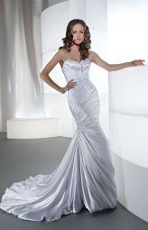 sleek and sexy #wedding dress