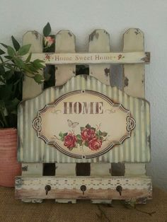 Katerina. My work. #pintturadecorativamadera Decoupage Vintage, Distressing Painted Wood, Wood Pallet Art, Diy And Crafts, Paper Crafts, Barn Wood Crafts, Spring Sign, Rustic Wood Signs, Art For Art Sake