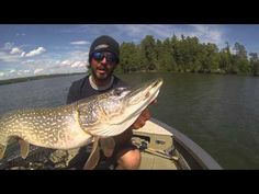 Our northern pike fishing tips will help you catch your biggest pike yet. We walk through the best baits for pike, different seasons, tactics & more.