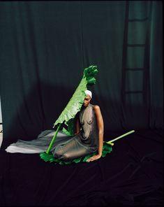 Vogue Portugal May 2018 Debra Shaw by Dan Beleiu - Fashion Editorials Men's Casual Fashion Tips, Fashion Trends, Fashion Guide, Editorial Photography, Fashion Photography, Glamour Photography, Lifestyle Photography, Moda Fashion, Womens Fashion