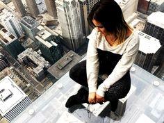 Sky deck Chicago http://whisperwanderlust.com/the-ultimate-bucket-list-100-things-to-do/