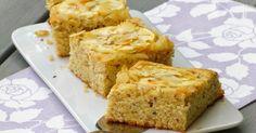 Saftiger Apfelkuchen mit Nuss und Buttermilch, getoppt mit Mandelblättchen. Säuerlicher Apfel trifft saftigen Nusskuchen.