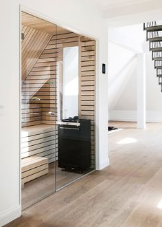 Modern design sauna from the KOERNER sauna manufacturer in the 100 sqm wellness area . - Modern design sauna from the KOERNER sauna manufacturer in the 100 sqm wellness area of ​​a Wil - Small Pool Houses, Small Pools, Home Gym Garage, Home Gym Decor, 100 M2, Home Gym Design, Best Home Gym, Small Hallways, Bathroom Spa