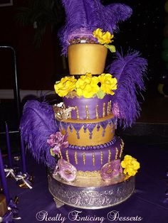 Mardi Gras themed wedding cake. | Wedding Cakes | Pinterest | Themed ...