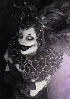 Spirit halloween contest...boo!!!:)(veronica d) Creepy clown