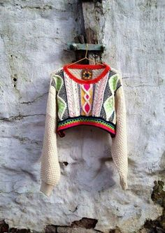 Surprising Gifts: Positiv Crochet from Katie Jones Knit Fashion, Look Fashion, Looks Style, My Style, Estilo Hippie, Textiles, Mode Inspiration, Pulls, Knitwear