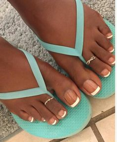 French Tip Toes, French Tip Pedicure, Pretty Toe Nails, Pretty Toes, Pretty Pedicures, Acrylic Toes, Foot Pedicure, Long Toenails, Nice Toes