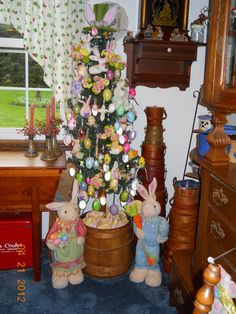 easter tree, dining room