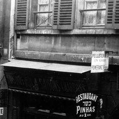 #paris #vieuxparis #picturesofparis #bnw #photographie #oldphotography #oldparis #archive #arrondissements #paris1900 #parisphoto #parisien #parismaville #pariscartepostale #parisfrance