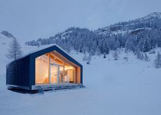 LEAPfactory - Prefabricated ski and snowboard school beside Mont Blanc