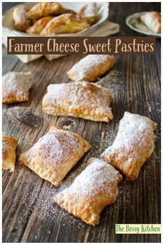 Farmer's Cheese Sweet Pastries are delicious and easy to make. The puff pastry is filled with Farmer's cheese and raisins. Cheese Pastry, Savory Pastry, Puff Pastry Recipes, Cheese Recipes, Pastry Cake, Easy Desserts, Dessert Recipes, Dessert Ideas, Farmers Cheese
