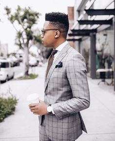bobbysfashionsIt's checker season and this is how you pull off a grey checkered suit. In class, as well as style #bobbysfashions #bespoketailor #internationaltailor