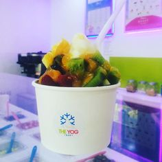 We can cater around your January diet!!! Look at this healthy pot of goodness!  #theyogbar #froyo #frozenyoghurt #frozenyogurt #foodie #foodpic #foodstagram #foodlover #fruit #healthy #januarydiet #newyearsresolution #kiwi #blueberries by theyogbar