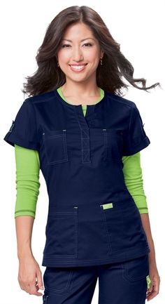 Loving the color combinations in the Simone style! Dental Scrubs, Medical Scrubs, Scrubs Outfit, Scrubs Uniform, Cute Scrubs, Koi Scrubs, Stylish Scrubs, Look Fashion, Fashion Outfits
