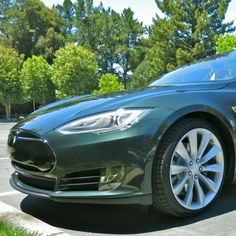 Auto dealers vs. Tesla: Why the market will decide