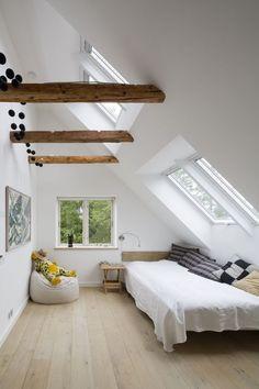 Brilliant Attic bathroom solutions,Tudor attic remodel and Attic bedroom interior design. Attic Bedroom Small, Attic Bedrooms, White Bedrooms, Attic Bathroom, Small Rooms, Small Bathroom, Attic Renovation, Attic Remodel, Loft Room