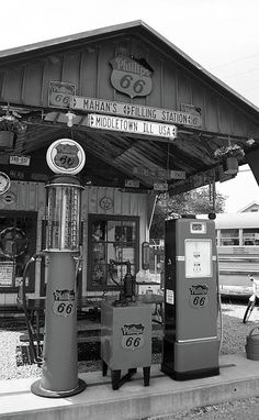 Route 66 Old Fashioned Gas Station