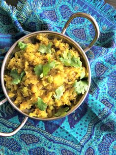 This simple stir-fry of cabbages, peas and onions is tasty and makes a good side dish for roti or rice. This quick stir-fry is great for busy-workday meals. Quick Stir Fry, Indian Food Recipes, Ethnic Recipes, Best Side Dishes, Cabbages, Quick Easy Meals, Onions, Family Meals, Microwave