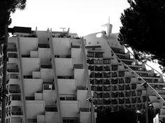 11 - 028 - La-Grande-Motte - Edificio Residenziale | Flickr - Photo Sharing!